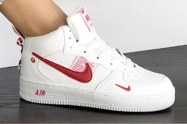 Женские высокие кроссовки Nike Air Force 1 '07 Mid Lv8 Utility белые с красным