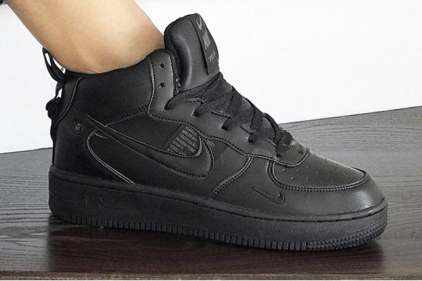 Женские высокие кроссовки Nike Air Force 1 '07 Mid Lv8 Utility черные