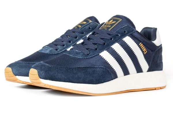 Мужские кроссовки Adidas Iniki Runner темно-синие с белым