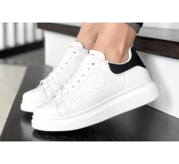 Женские кроссовки Alexander McQueen Oversized Sole Low Sneaker белые с черные