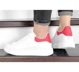 Женские кроссовки Alexander McQueen Oversized Sole Low Sneaker белые с красным