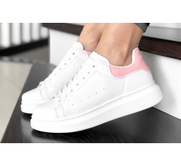 Женские кроссовки Alexander McQueen Oversized Sole Low Sneaker белые с розовым