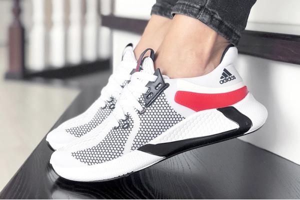 Женские кроссовки Adidas Bounce белые