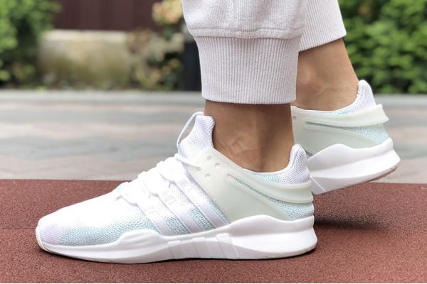 Женские кроссовки Adidas EQT Support Adv 91/17 белые с бирюзовым