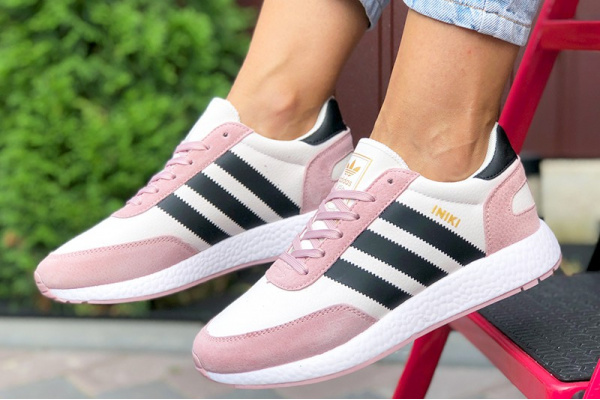 Женские кроссовки Adidas Iniki Runner розовые с белым