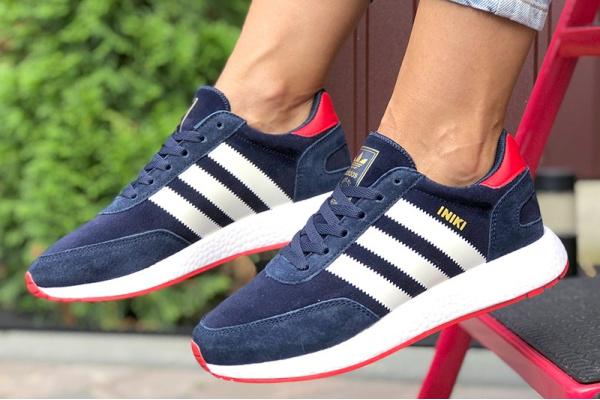 Женские кроссовки Adidas Iniki Runner темно-синие с белым