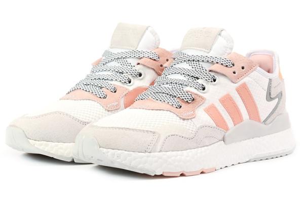 Женские кроссовки Adidas Nite Jogger BOOST белые с коралловым