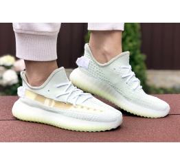 Купить Жіночі кросівки Adidas Yeezy Boost 350 V2 светло-зелені в Украине