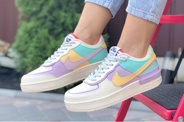 Женские кроссовки Nike Air Force 1 Shadow бежевые с фиолетовым