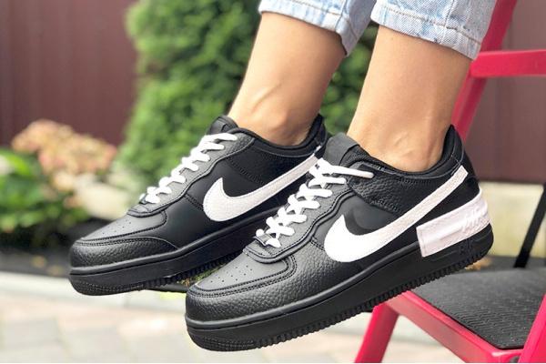 Женские кроссовки Nike Air Force 1 Shadow черные с белым