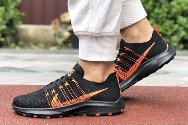 Женские кроссовки Nike Air Zoom черные с оранжевым