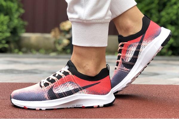 Женские кроссовки Nike Air Zoom красные с серым