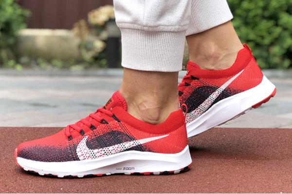 Женские кроссовки Nike Air Zoom красные с темно-синим