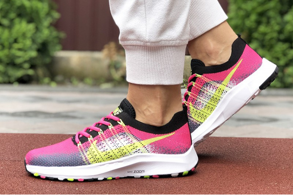Женские кроссовки Nike Air Zoom малиновые с серым