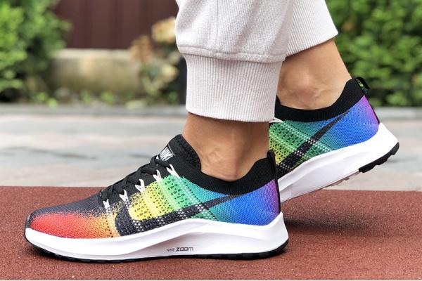 Женские кроссовки Nike Air Zoom многоцветные