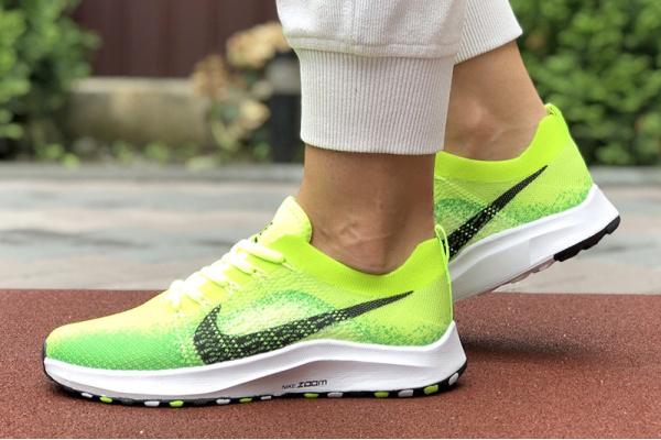 Женские кроссовки Nike Air Zoom неоново-зеленые