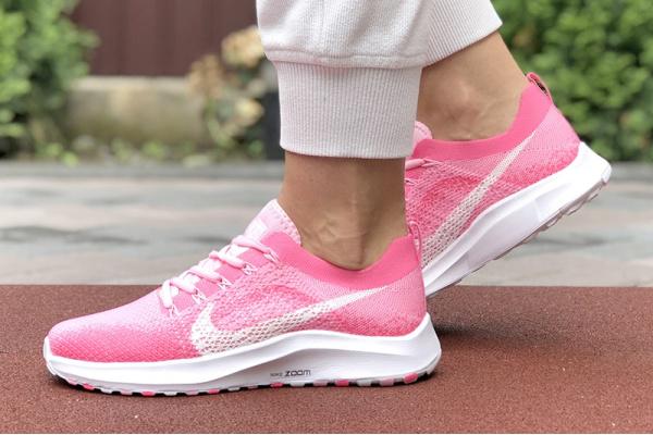 Женские кроссовки Nike Air Zoom розовые