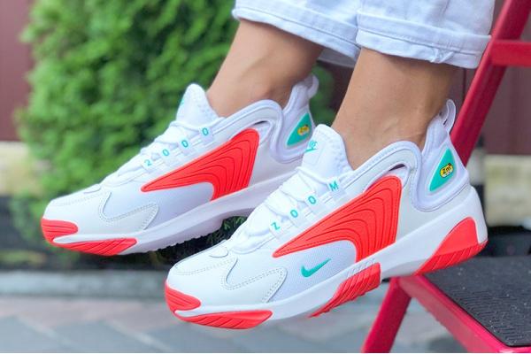 Женские кроссовки Nike Zoom 2K белые с неоново-оранжевым