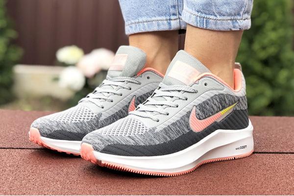 Женские кроссовки Nike Zoom Lunar 3 серые с коралловым