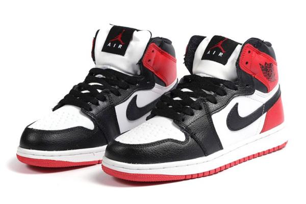 Женские высокие кроссовки на меху Nike Air Jordan 1 Retro High белые с черным и красным