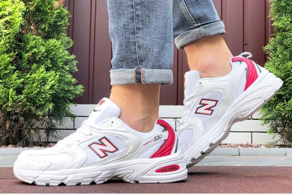 Мужские кроссовки New Balance 530 белые с красным
