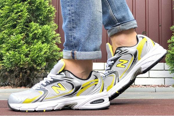 Мужские кроссовки New Balance 530 серые с желтым