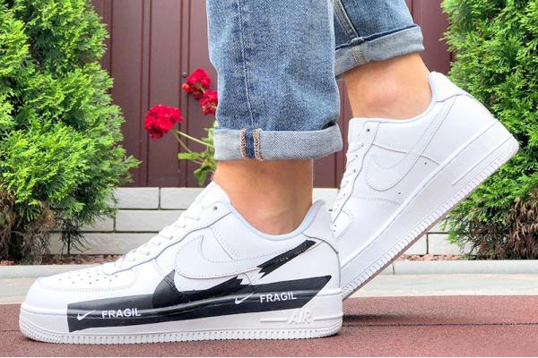 Мужские кроссовки Nike Air Force 1 Low Fragil белые