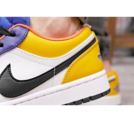 Купить Мужские кроссовки Nike Air Jordan 1 Retro Low OG белые с синим и желтым в Украине