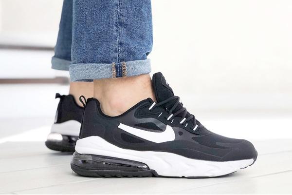 Мужские кроссовки Nike Air Max 270 React черные с белым