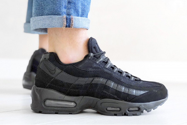 Мужские кроссовки Nike Air Max 95 черные (black)