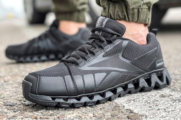 Мужские кроссовки Reebok Zigwild TR черные
