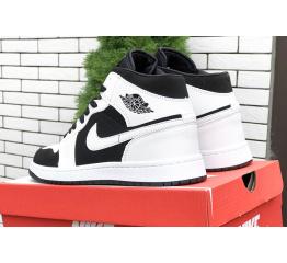 Купить Мужские высокие кроссовки Nike Air Jordan 1 Retro High OG белые с черным в Украине