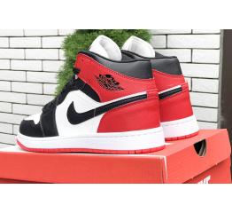 Купить Чоловічі високі кросівки Nike Air Jordan 1 Retro High OG білі з чорним і червоним в Украине