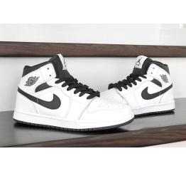 Купить Жіночі високі кросівки Nike Air Jordan 1 Retro High OG білі з чорним