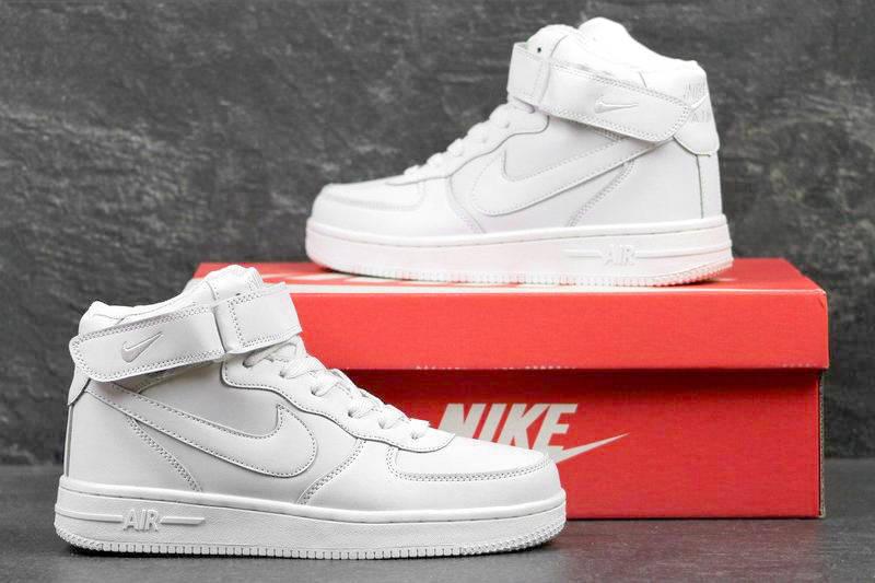 0681a1bc Женские высокие зимние кроссовки на меху Nike Air Force 1 High белые