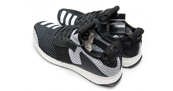 on sale bd31a 2add2 Adidas ADO Ultra Boost Day One черные с белым купить   ASPOLO
